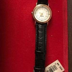 Guess watch- new with tag